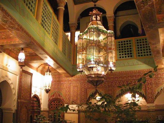 Riad et Dar Maison Do: patio la nuit