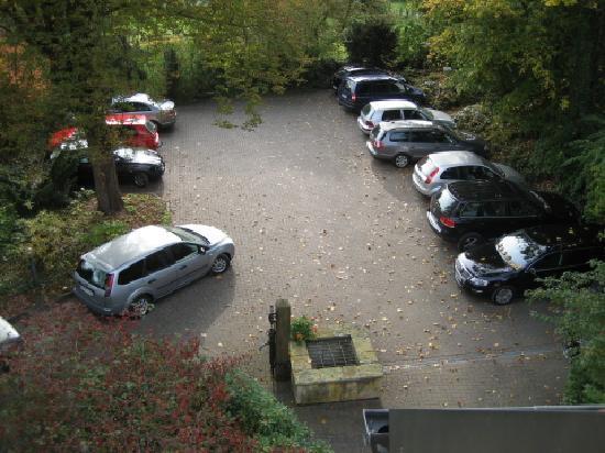 Hotel Caroline Mathilde: Free parking