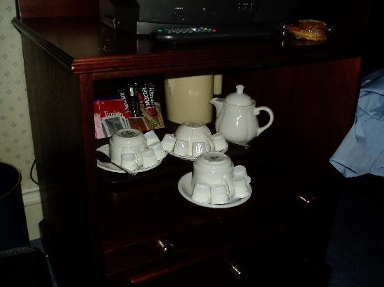 The Jacobean Hotel: Complete tea services