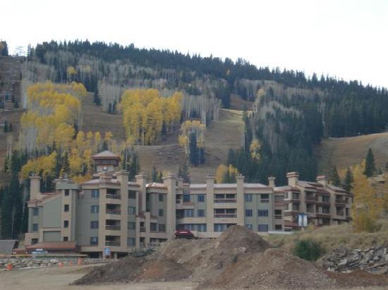 Purgatory Village Condo Hotel: The hotel, you can see the slopes, and the current construction