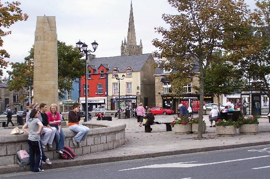 Donegal Town, Ireland: Donegal Square