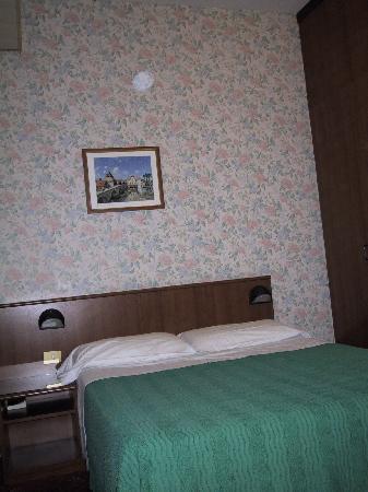 Corona Hotel : Apartment Main room