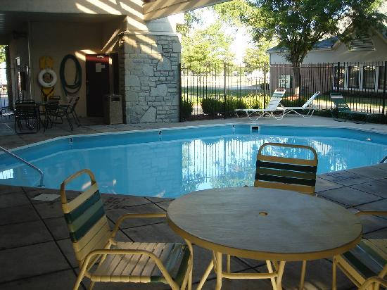 Red Roof Inn Columbus/Grove City: Outdoor Swimming Pool