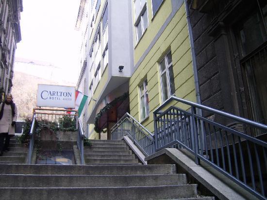 Carlton Hotel Budapest: la nostra Reggia dal basso