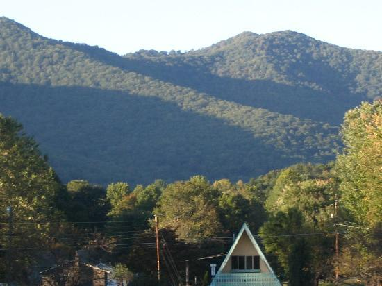 Super 8 Black Mountain: view from our room at back of Motel