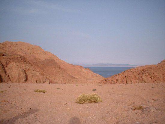 Dahab, Egypte: A view from the mountain
