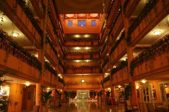 Sofitel Marrakech Lounge and Spa : Atrium - Aile droite