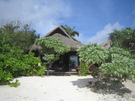 J Resorts Alidhoo: Villa from beach