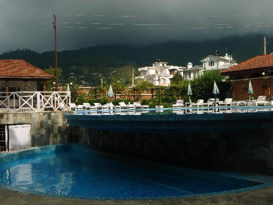 Park Village Hotel & Resort: Park Village Pool view