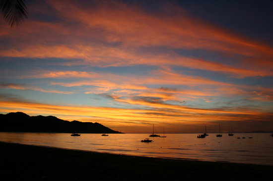 Isla Magnetic, Australia: Sunset at Horseshoe Bay Magnetic Island