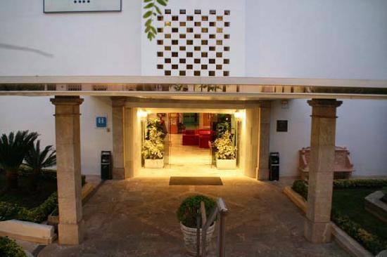SENTIDO Tucan: Hotel Entrance