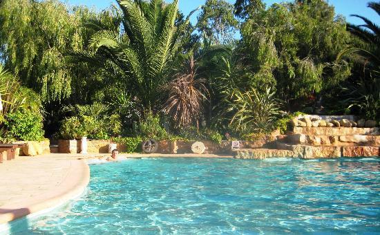 Burgau, Portugal: enorme piscina
