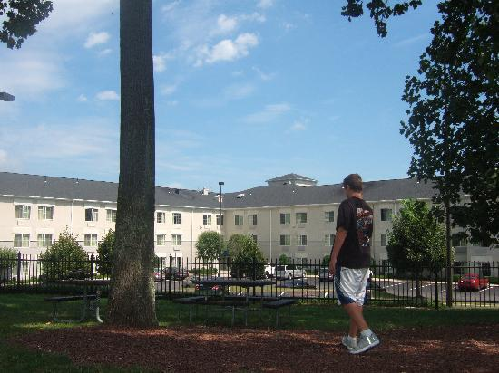 Extended Stay America - Shelton - Fairfield County : back of hotel