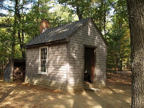 Walden Pond State Reservation : Thoreau house replica