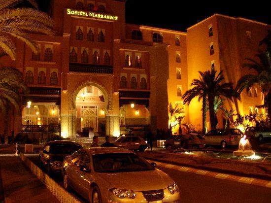 Sofitel Marrakech Lounge and Spa : Entree Sofitel