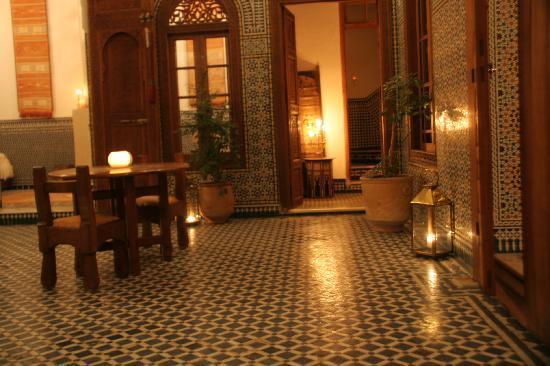 Dar Roumana: Courtyard at Night