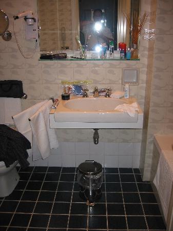 Eurostars Hotel Excelsior : Excelsior Bath 01