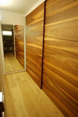 Feldmilla Design Hotel: walk in closet
