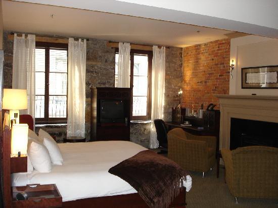 Hotel Nelligan: Bedroom Photo 1