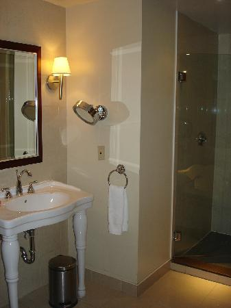 Hotel Nelligan : Bathroom Photo 1