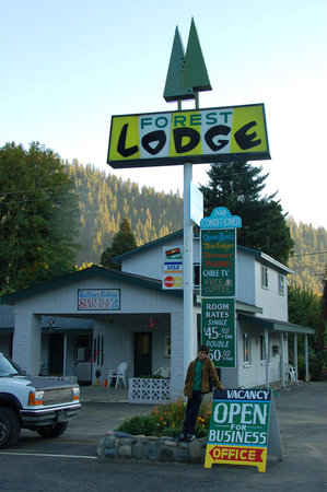 Forest Lodge Motel, Happy Camp CA