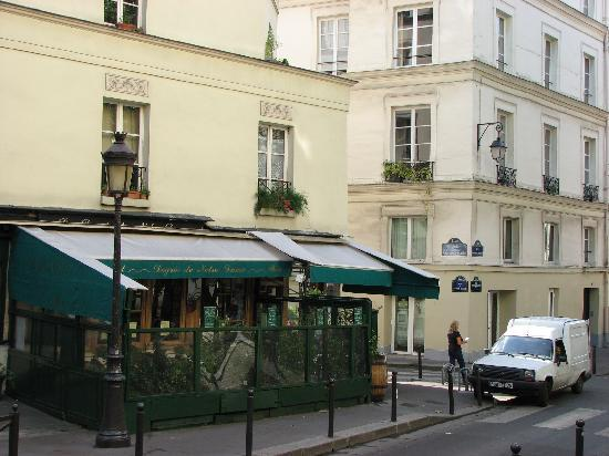 Hotel 39 s sidewalk cafe adjoining restaurant picture of for Hotel notre dame paris