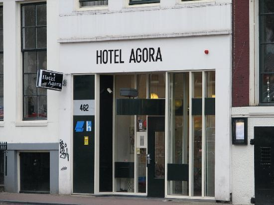 Hotel Agora: Outside - a little shaby