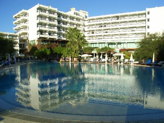 Grecian Bay Hotel: Pool