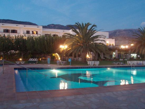 Vritomartis Naturist Resort: Pool and Main building