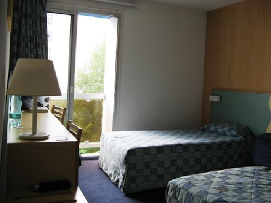 Hotel Mediterranee Lourdes : Comfortable beds