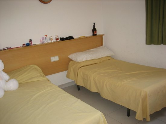 Los Peces Apartments : bedroom