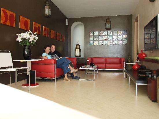 Villa Santa Maria: The Lobby