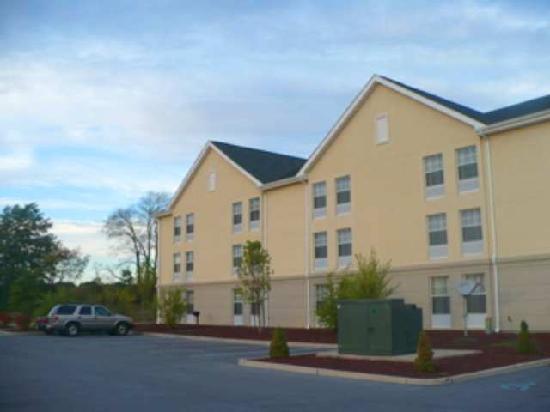 Comfort Inn &; Suites Goshen / Middletown: Exterior