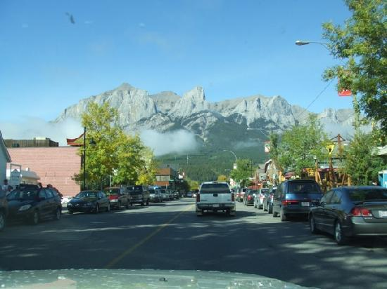 Grand Canadian Resort Vacation Club: Canmore High Street