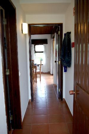 Ancora Park: entrance and corridor of 1 bed apartment