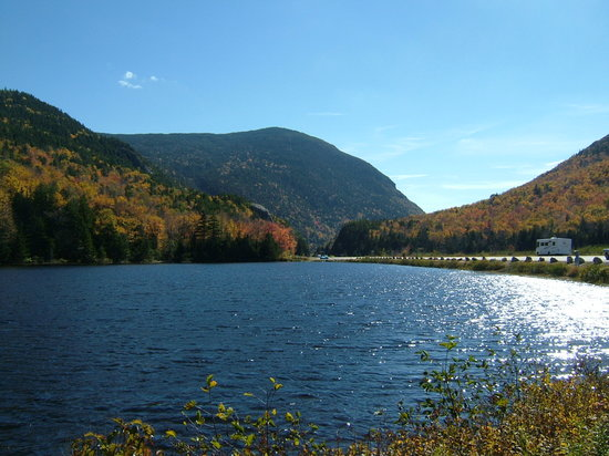Lake at the foot of Mount Washington