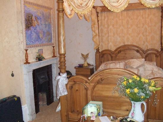 Enchanted Manor: our beautiful room.