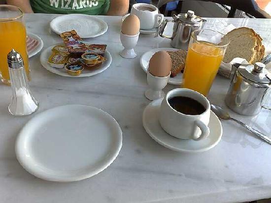 Hotel Zannis: Roula's breakfast