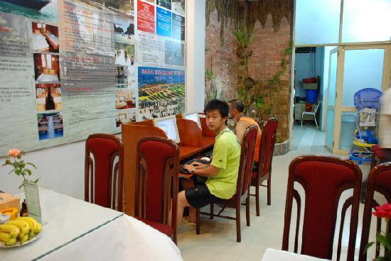 Rising Dragon Hotel: Free internet service