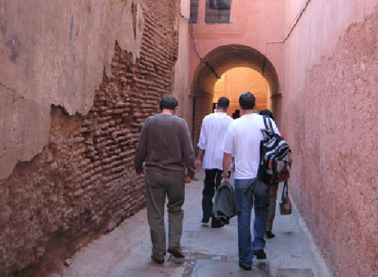Riad Zolah: Walking through a maze of streets to Riad