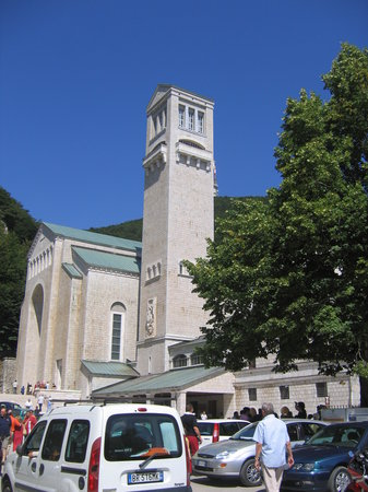 Avellino, Italia: The mountain top Montevergine Sanctuary near Mercogliano