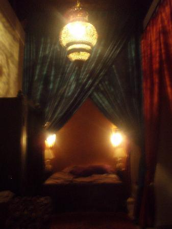 Riad Zolah: Our bedroom at night