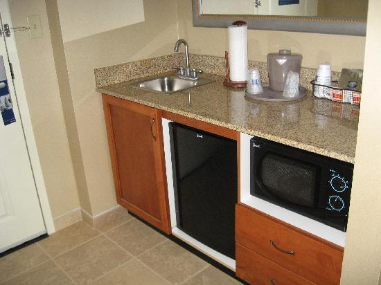 Hampton Inn & Suites North Conway: kitchenette
