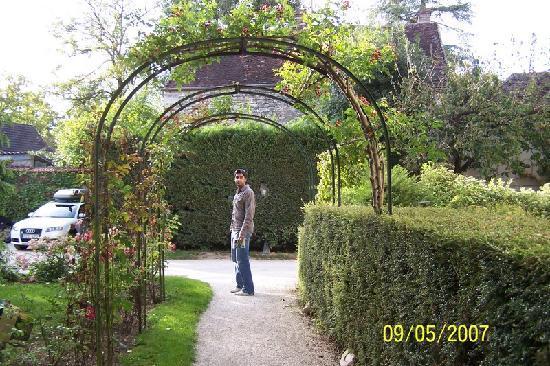 Chablis, France: Garden