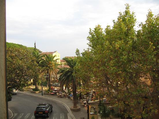 Hostellerie du Cigalou: View from Cigalou suite