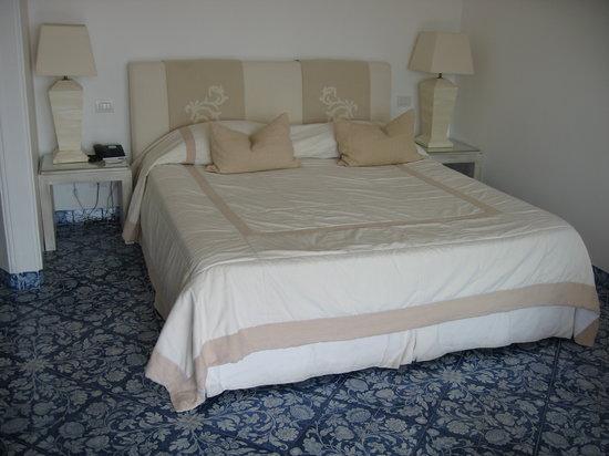 La Minerva: Bed