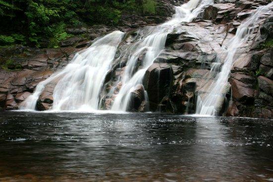 Остров Кейп-Бретон, Канада: Mary Ann falls