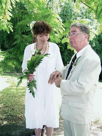 ‪‪Pepper's Cottage‬: Eccentric Englishman and beautiful wife get married in the Botanical Gardens in Roseau, Dominica‬