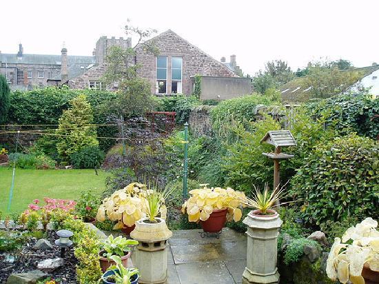 Alannah House gardens