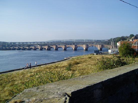 Alannah House: Berwick's three bridges